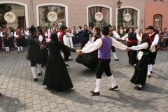 Balli in piazza (Pamela Pielich)