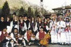Il gruppo a Prato di Resia (Archivio Gruppo Folkloristico Val Resia)