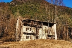 5 – Mancuso Nunzia: Tipica casa Resiana