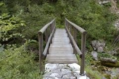 Passerella su rio Sart